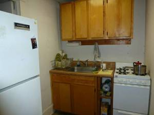 Kitchen in advertised apartment.