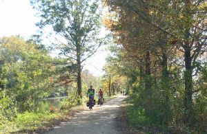 Naturally successful: D&R Canal Trail draws users into nature with appropriate trails and signage. (Click to expand.)