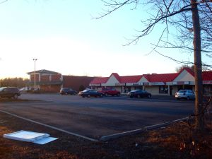 Another mall on Hwy 27 north of Princeton, with gaping expanses of unused parking on Black Friday 2013. (click to expand.)