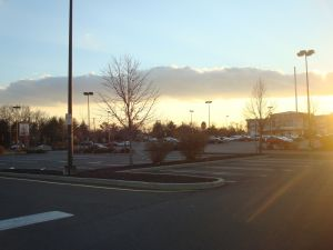Another mall on Hwy 27 in Central New Jersey near Princeton. Ample parking is available, even on Black Friday. (click to expand.)